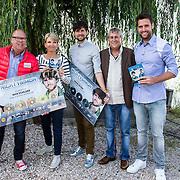 NLD/Volendam/20140620 -Presentatie 'Herinneringen' Dvd box Nick & Simon, met Gaston Starreveld, Jaap Buijs en Anita Witzier