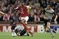 Fotball<br /> Champions League 2004/05<br /> Arsenal v PSV Eindhoven<br /> Gruppe E<br /> 14. september 2004<br /> Foto: Digitalsport<br /> NORWAY ONLY<br /> PATRICK VIEIRA (ARS) / GERALD SIBON (PSV)