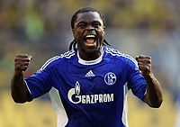 Fotball<br /> Tyskland<br /> Foto: Witters/Digitalsport<br /> NORWAY ONLY<br /> <br /> 26.09.2009<br /> <br /> Schlussjubel Gerald Asamoah Schalke<br /> <br /> Bundesliga Borussia Dortmund - FC Schalke 04 0:1