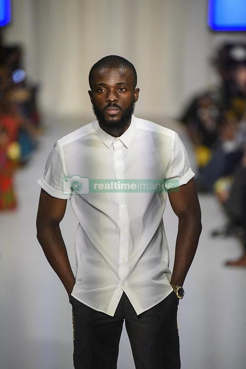 August 18, 2017 - Toronto, Ontario, Canada - A model showcasing  clothes of designer  ''Fari Hara'' during the African Fashion Week in Toronto, Canada on 18 August 2017. (Credit Image: © Arindam Shivaani/NurPhoto via ZUMA Press)