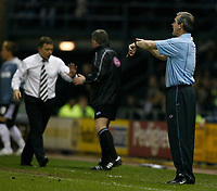 Photo: Steve Bond.<br />Derby County v Southampton. Coca Cola Championship. Play Off Semi Final, 2nd Leg. 15/05/2007. George Burley encourages the referee to look at his watch