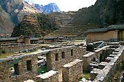 PERU, HIGHLANDS, INCA Ollantaytambo; fortress in Sacred Valley