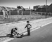 Spelende kinderen aan de Voorhavenlaan