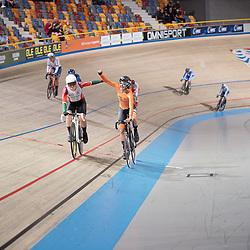 APELDOORN (NED) EUROPEAN TRACK CHAMPIONSHIPS, 18th August<br /> Maike van der Duin pakt de title scratch vrouwen U23