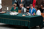 Koningsdag in Dordrecht / Kingsday in Dordrecht<br /> <br /> Op de foto / On the photo: <br /> <br />  Prins Bernhard jr.en prinses Annette met Prinses Anita en prins Pieter-Christiaan