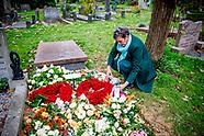 Het graf van Esseline Kerssenberg-Bradley, de grootmoeder van Lilly Becker, Amsterdam, Nederland