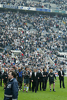 Photo: Andrew Unwin.<br /> Newcastle United v Chelsea. The Barclays Premiership. 07/05/2006.<br /> Newcastle complete their lap of honour to an almost-full stadium.