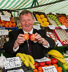 Alex Rowley visits farmer's market | Edinburgh | 2 April 2016