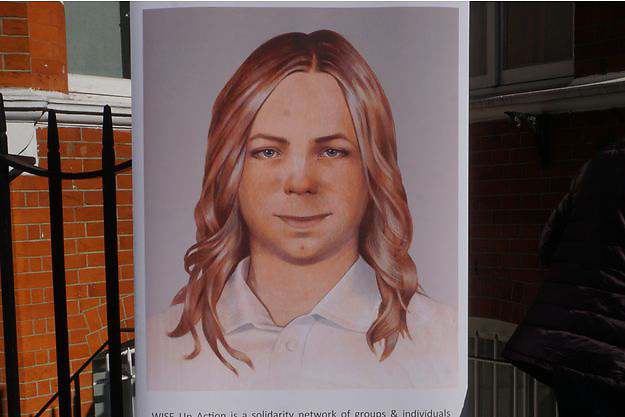 Chelsea Manning was released on Wednesday. His sentence of 35 years in prison was commuted by Barack Obama last January, nearly four years after his conviction.<br /> <br /> After seven years in prison, freedom for Chelsea Manning . On Wednesday, the whistleblower left Fort Leavenworth Military Prison in Kansas, a direct result of Barack Obama's commutation of his sentence last January, two days before the end of his term.<br /> <br /> https://translate.google.com/translate?sl=&tl=en&u=http%3A%2F%2Fwww.parismatch.com%2FActu%2FInternational%2FChelsea-Manning-est-libre-1258787