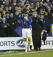 Photo: Aidan Ellis.<br /> Everton v Chelsea. The FA Cup. 28/01/2006.<br /> Everton's James McFadden acknowledges the crowd after having to leave with a bloddy nose