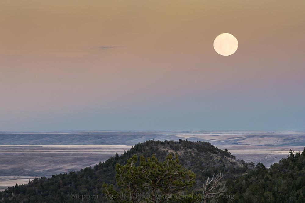Moonrise, Upper Great Plains near Dupuyer, Montana