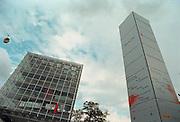 Duitsland, Hannover expo 2000, mei 2000.Paviljoen Deutsche Telekom en een zuil met namen van sponsorsFoto: Flip Franssen/Hollandse Hoogte