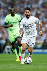 Isco of Real Madrid in action - Mandatory byline: Rogan Thomson/JMP - 04/05/2016 - FOOTBALL - Santiago Bernabeu Stadium - Madrid, Spain - Real Madrid v Manchester City - UEFA Champions League Semi Finals: Second Leg.