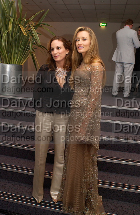 Emily Oppenheimer and Natasha McElhone, Party given by California Wine to celebrate wines from the Golden state,  hosted by Natasha McElhone, Emily Oppenheimer and Dr. Martin Kelly at the old Saatchi Gallery, 8 October 2003. © Copyright Photograph by Dafydd Jones 66 Stockwell Park Rd. London SW9 0DA Tel 020 7733 0108 www.dafjones.com