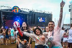 Movimento de público durante a 24ª edição do Planeta Atlântida. O maior festival de música do Sul do Brasil ocorre nos dias 01 e 02 de fevereiro, na SABA, na praia de Atlântida, no Litoral Norte gaúcho. Foto: Gustavo Roth / Agência Preview