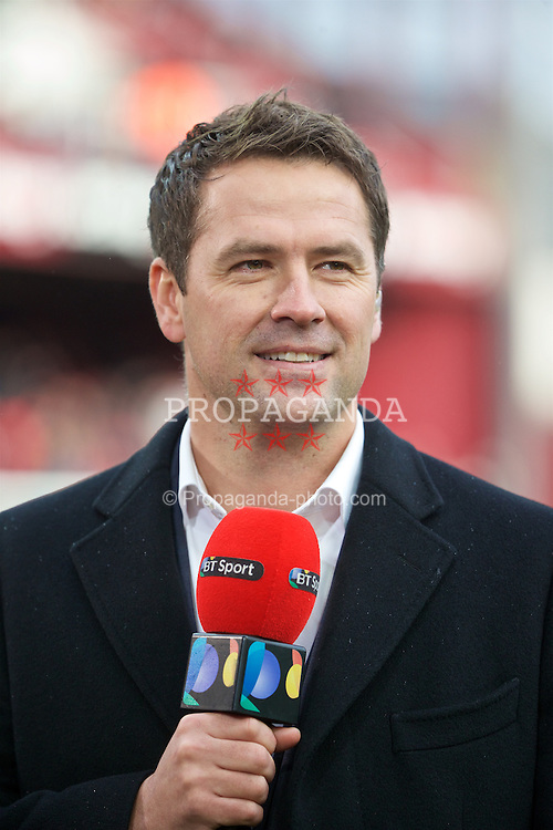 LONDON, ENGLAND - Saturday, January 2, 2016: Former Liverpool player Michael Owen working for BT Sport during the Premier League match between West Ham United and Liverpool at Upton Park. (Pic by David Rawcliffe/Propaganda)