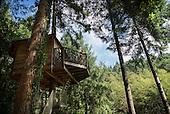Cabanes als arbres, Girona, Spain