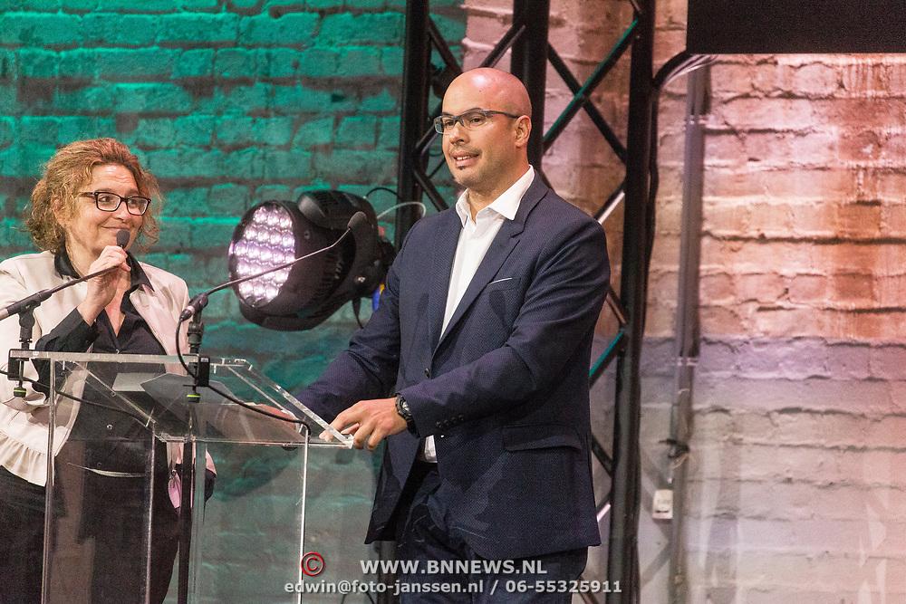 NLD/Amsterdam/20180412 - Prins Constantijn en Prinses Laurentien aanwezig bij uitreiking World Press Photo of the Year,  Ronaldo Schemidt