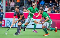 ANTWERPEN - Mirco Pruijser (Ned) in duel met John Jackson (Irl)   tijdens Nederland-Ierland mannen  bij het Europees kampioenschap hockey. COPYRIGHT KOEN SUYK
