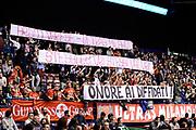 DESCRIZIONE : Milano Lega A 2014-2015 EA7 Emporio Armani Milano Openjob Metis Varese<br /> GIOCATORE : tifosi<br /> CATEGORIA : tifosi<br /> SQUADRA : EA7 Emporio Armani Milano<br /> EVENTO : Campionato Lega A 2014-2015<br /> GARA : EA7 Emporio Armani Milano Openjob Metis Varese<br /> DATA : 15/03/2015<br /> SPORT : Pallacanestro<br /> AUTORE : Agenzia Ciamillo-Castoria/Max.Ceretti<br /> GALLERIA : Lega Basket A 2014-2015<br /> FOTONOTIZIA : Milano Lega A 2014-2015 EA7 Emporio Armani Milano Openjob Metis Varese<br /> PREDEFINITA :
