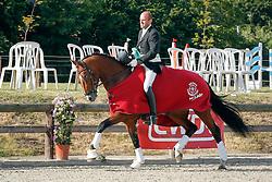 Van Laer Nick (BEL) - Just A Little Bit Krack vh Klaverbos<br /> SBB Competitie Jonge Paarden - Nationaal Kampioenschap - Kieldrecht 2014<br /> © Dirk Caremans