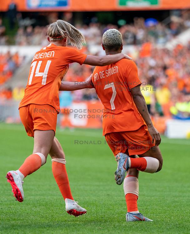 01-06-2019 NED: Netherlands - Australia, Eindhoven<br /> <br /> Friendly match in Philips stadion Eindhoven. Netherlands win 3-0 / Shanice van de Sanden #7 of The Netherlands score 1-0, Jackie Groenen #14 of The Netherlands