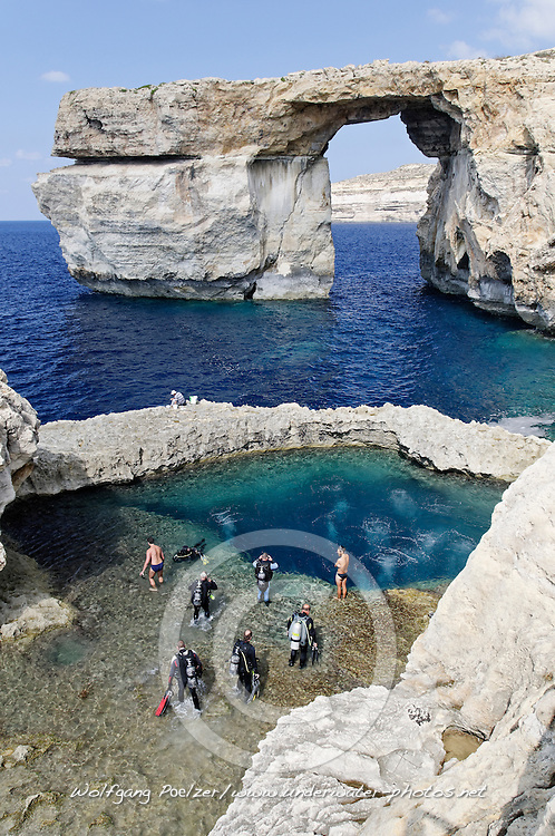 Zerka Tor, Azur Windwow and Blue Hole with scuba diver, Gozo, Malta, Sued Europa, Mittelmeer, Mare Mediterraneum, Sotuh Europe, Mediterranean Sea