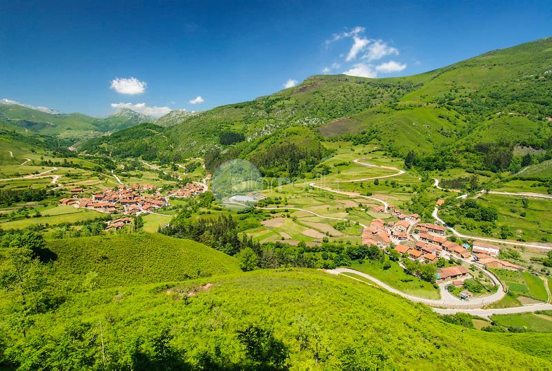 Carmona, cerca de Valle Cabuérniga. Reserva nacional de Caza de Saja. Cantabria