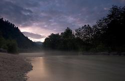 19.07.2010, Klammsee, Kaprun, AUT, Klammsee bei Kaprun, im Bild der Klammsee im Nebel bei Sonnenuntergang, EXPA Pictures © 2010, PhotoCredit: EXPA/ J. Feichter