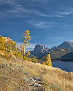 Hiking Trail, fall colors, Square Top Mountain, Green River Lake, Wind River Mountains,