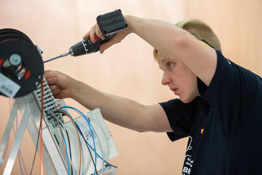 12. September 2018; Bern; swiss skills 2018  - Elektroinstallateur/in EFZ / Installateur-Electricien CFC / Installatrice-Electricienne CFC / Installatore elettricista (AFC) / Installatrice elettricista (AFC) / VSEI - Verband Schweizerischer Elektro-Installationsfirmen / USIE - Union Suisse des Installateurs-Electriciens / USIE - Unione Svizzera degli Installatori Elettricisti (Michael Zanghellini)
