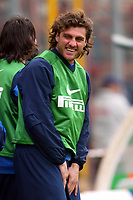 Fotball<br /> Serie A<br /> Perugia v Inter Milan<br /> 11. april 2004<br /> Foto: Digitalsport<br /> Norway Only<br /> <br /> Christian Vieri laughs with his bench teammates after Martins goal of 2-3 for Inter