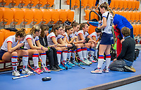 ROTTERDAM - teambespreking SCHC   dames Amsterdam-SCHC.   ,hoofdklasse competitie  zaalhockey.   COPYRIGHT  KOEN SUYK