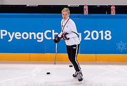 08-02-2018 KOR: Olympic Games day -1, Pyeongchang<br /> Head Coach Sara Ruth Murray (COR) during a practice session of the korean woman ice hockey team ahead of the opening of the Pyeongchang 2018 Winter Olympic Games at the Kwandong Hockey Centre in Gangneung, South Korea on 2018/02/05<br /> <br /> *** USE NETHERLANDS ONLY ***