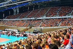 27-09-2015 NED: Volleyball European Championship Nederland - Polen, Apeldoorn<br /> Nederland verslaat Polen met 3-1 / Oranje support publiek, Omnisport Apeldoorn