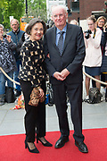 80e verjaardag van Prof. mr. Pieter van Vollenhoven in theater Figi in Zeist<br /> <br /> 80th birthday of Prof. dr. Pieter van Vollenhoven in the Figi theater in Zeist<br /> <br /> Op de foto / On the photo:   Gerdi Verbeet en partner