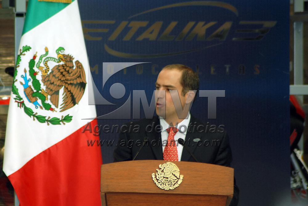 """Toluca, Mex.- Alberto Tanus Schwarz, director general de """"ITALIKA Motocicletas"""", durante la inauguración de la planta de ensamble de motocicletas en este municipio. Agencia MVT / José Hernández. (DIGITAL)<br /> <br /> <br /> <br /> NO ARCHIVAR - NO ARCHIVE"""