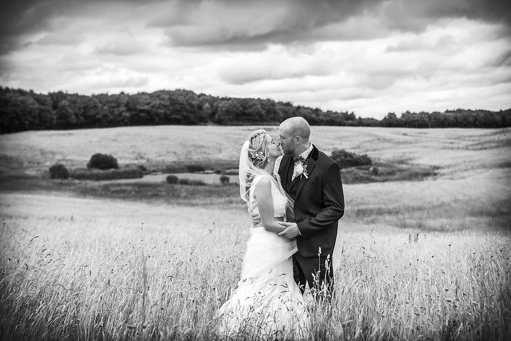 Stunning & Unobtrusive wedding photography Ireland. For couples who want to capture their day, the details,their family & friends & the craic that unfolds in a relaxed & informal atmosphere.