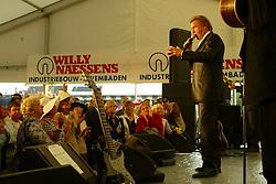 Tura Wil-Fans<br />Waregem Koerse 2003<br />Photo © Hippo Foto