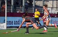 ANTWERPEN -  Lidewij Welten (Ned) brengt  de stand op 2-0  tijdens de   finale  dames  Nederland-Duitsland  (2-0) bij het Europees kampioenschap hockey.   COPYRIGHT  KOEN SUYK