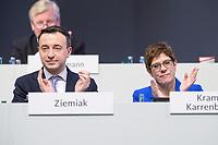 22 NOV 2019, LEIPZIG/GERMANY:<br /> Paul Ziemiak (L), CDU Generalsekretaer, und Annegret Kramp-Karrenbauer (R), CDU Bundesvorsitzende und Bundesverteidigungsministerin, CDU Bundesparteitag, CCL Leipzig<br /> IMAGE: 20191122-01-278<br /> KEYWORDS: Parteitag, party congress, Applaus, applaudieren, klatschen