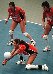 19-06-1998 VOLLEYBAL: NEDERLAND - CHINA: AMSTERDAM<br /> Erna Brinkman, Elles Leferink en Francien Huurman<br /> ©1998-WWW.FOTOHOOGENDOORN.NL