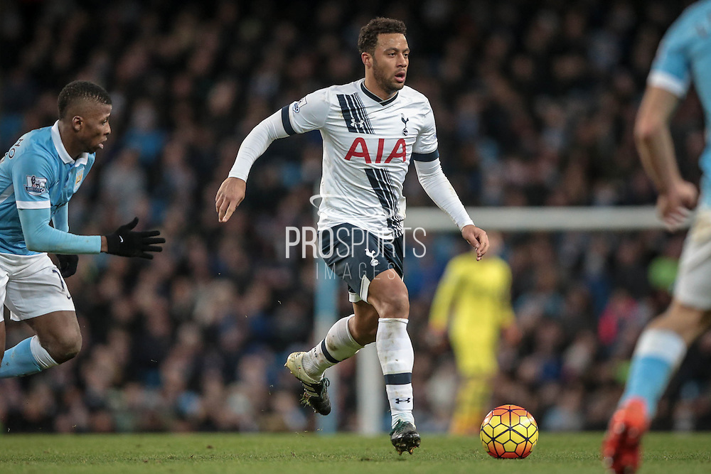 Mousa Dembélé (Tottenham Hotspur) runs with the ball during the Barclays Premier League match between Manchester City and Tottenham Hotspur at the Etihad Stadium, Manchester, England on 14 February 2016. Photo by Mark P Doherty.