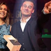 NLD/Hilversum/20200130 - Uitreiking De Gouden RadioRing 2020, Veronica Inside met Winfred Genee  met de Gouden RadioRing