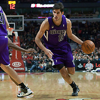 21 December 2009: Sacramento Kings forward Omri Casspi dribbles during the Sacramento Kings 102-98 victory over the Chicago Bulls at the United Center, in Chicago, Illinois, USA.