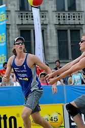 06-06-2010 VOLLEYBAL: JIBA GRAND SLAM BEACHVOLLEYBAL: AMSTERDAM<br /> In een koninklijke ambiance streden de nationale top, zowel de dames als de heren, om de eerste Grand Slam titel van het seizoen bij de Jiba Eredivisie Beach Volleyball - Robert Meeuwsen / Christiaan Varenhorst<br /> ©2010-WWW.FOTOHOOGENDOORN.NL