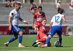 Nicolaj Thomsen (HIK) tackles af Valdemar Holze (FC Helsingør) under træningskampen mellem FC Helsingør og HIK den 1. august 2020 på Helsingør Ny Stadion (Foto: Claus Birch).