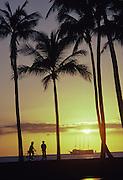 Sunset at Ala Moana, Waikiki, Oahu, Hawaii<br />