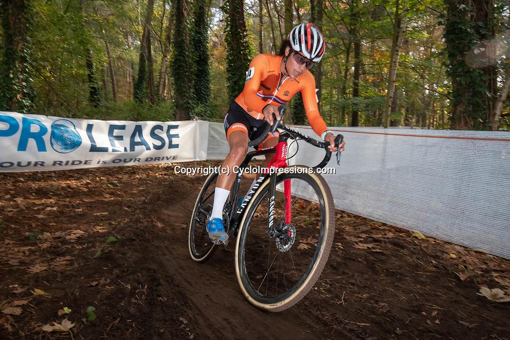 02-11-2018: Wielrennen: EK veldrijden Masters: Rosmalen: Ceylin del Carmen Alvarado presteert  in Rosmalen