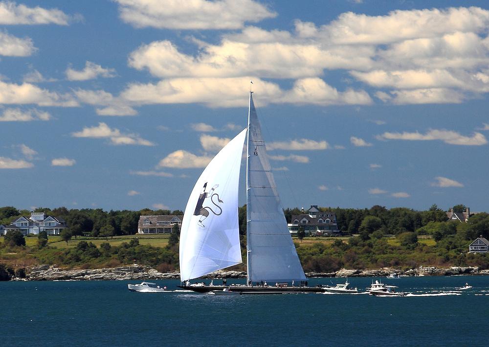 S/Y Hanuman starts at the 2010 Newport Bucket. Super yachts racing in the 2010 Newport Bucket.